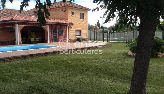 Casa 1 y piscina
