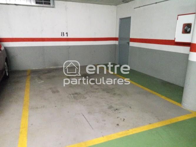 Parking Coche grande + moto + trastero