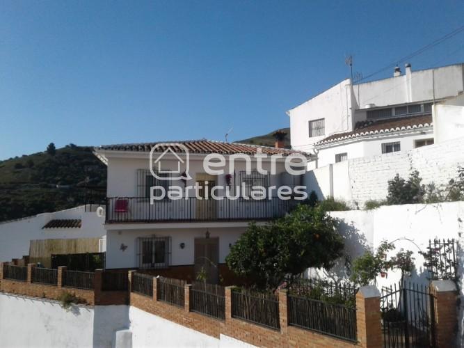 Villa se vende Cutar, Malaga