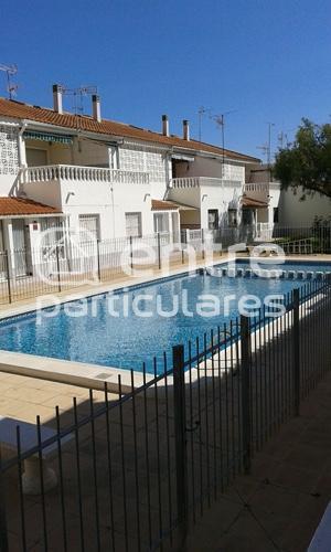 Apartamento adosado con piscina
