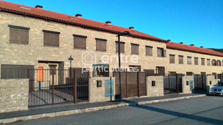 Adosado 174 m2 4 Hab. 3 Baños 2 Patios + Barbacoa