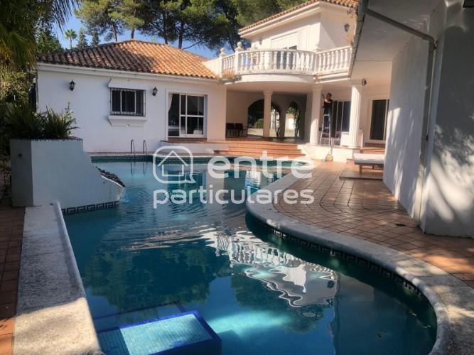 Chalet con piscina en Sotogrande Cádiz