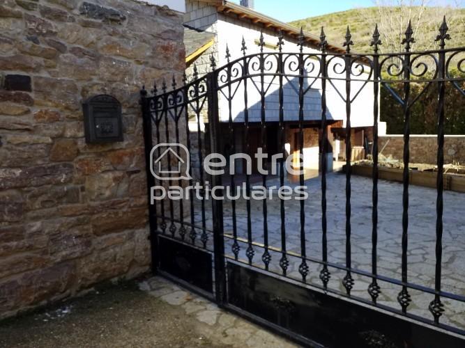 Se venda casa en Babia