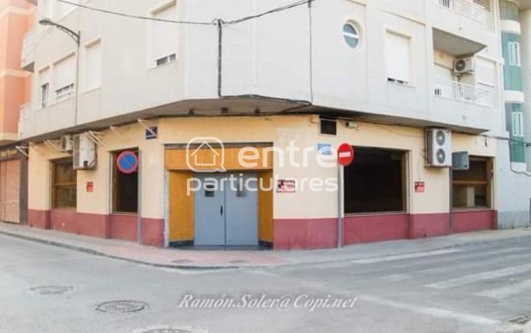 LOCAL COMERCIAL A DOS CALLES EN RAFAL (ALICANTE)