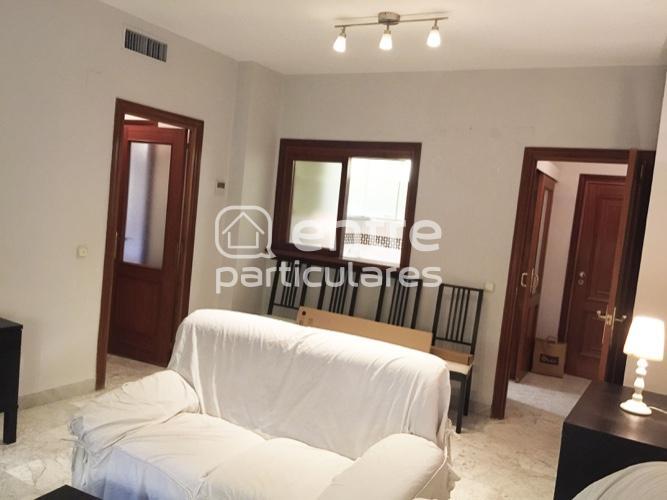 Apartamento con garaje y piscina en Viapol