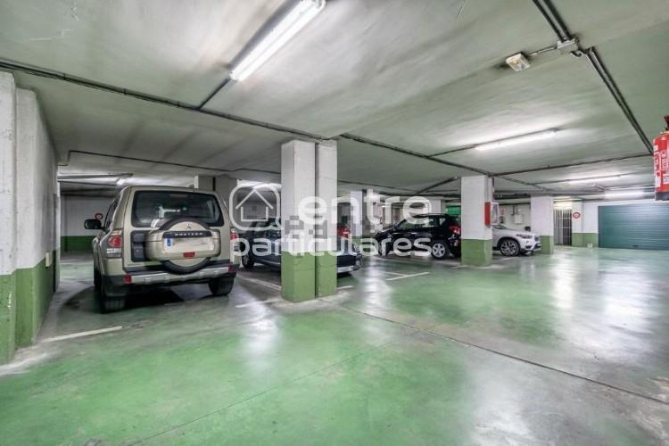 Plaza garaje para coche + moto