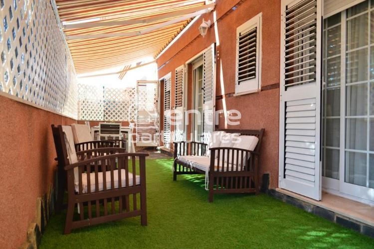 Espectacular piso planta baja con patio