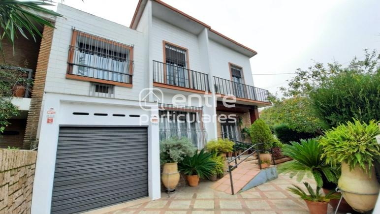 CHALET MUY BIEN SITUADO ZONA RESIDENCIAL