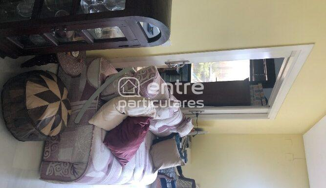 Sala de estar día dos ventanales