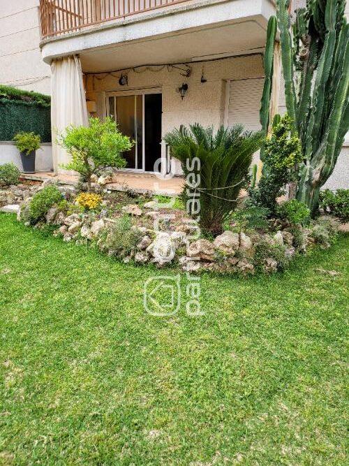 Bajo en Calafell Residencial con gran jardín