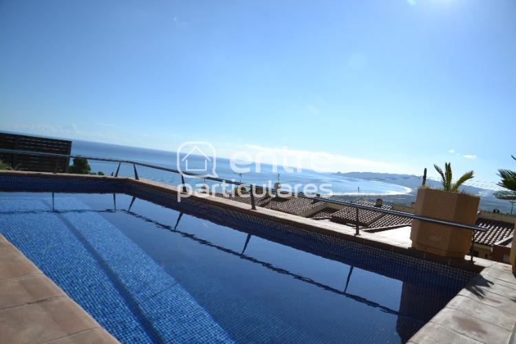 Casa en L'Estartit con vistas y piscina privada.